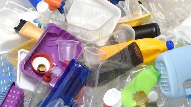 El plástico de usar y tirar: la otra pandemia