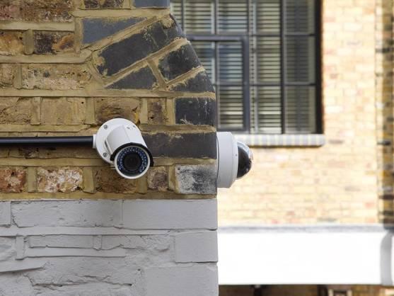 camaras-de-vigilancia-para-un-hogar-mas-seguro-en-interior-o-exterior