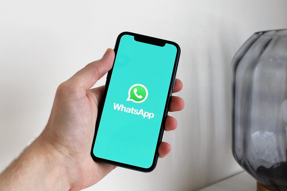 Las cinco novedades que WhatsApp estrena en 2021