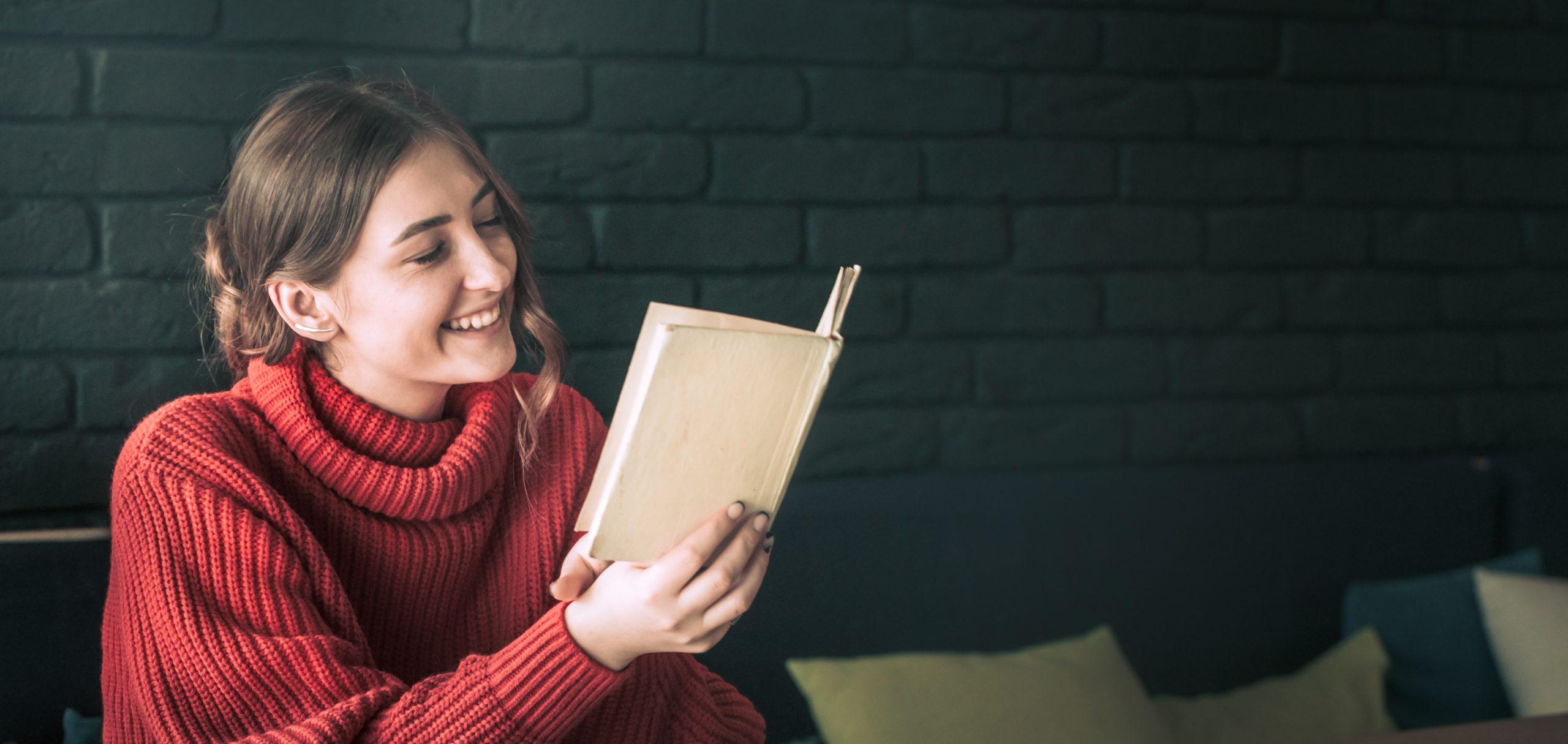 Descubre los numerosos beneficios de leer un rato al día