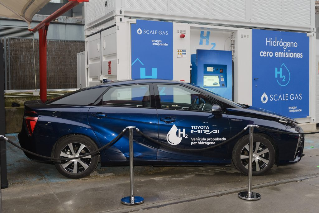Toyota inaugura la primera hidrogenera en Madrid