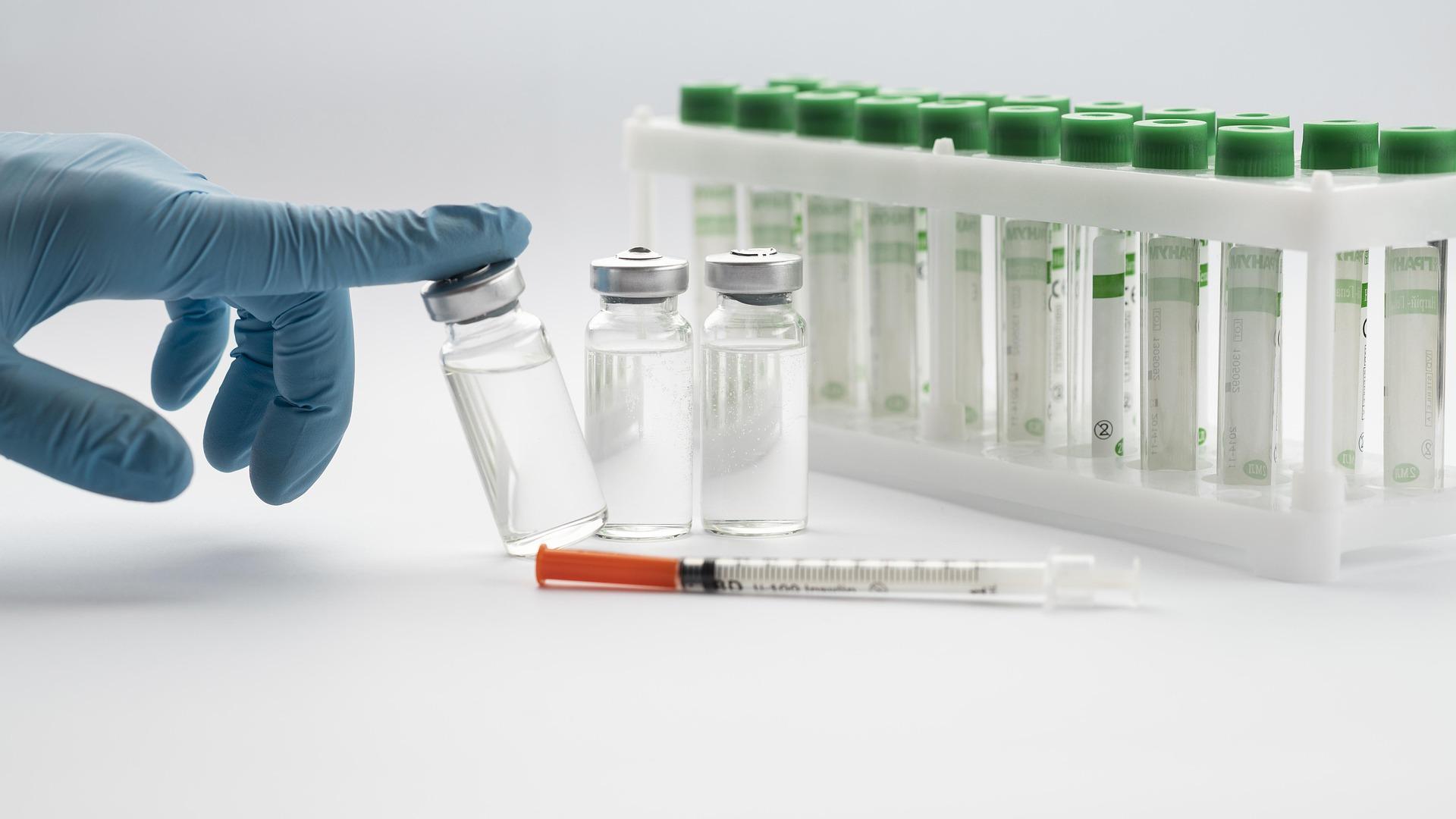 Lee más sobre el artículo Cartilla COVID en Madrid: cómo descargar el certificado de vacunación en el móvil