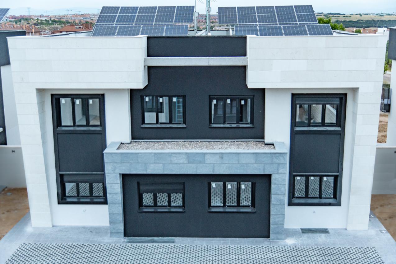 Finalizadas las primeras 38 Casas Geosolares® de dos promociones en Arroyomolinos y Valdemoro
