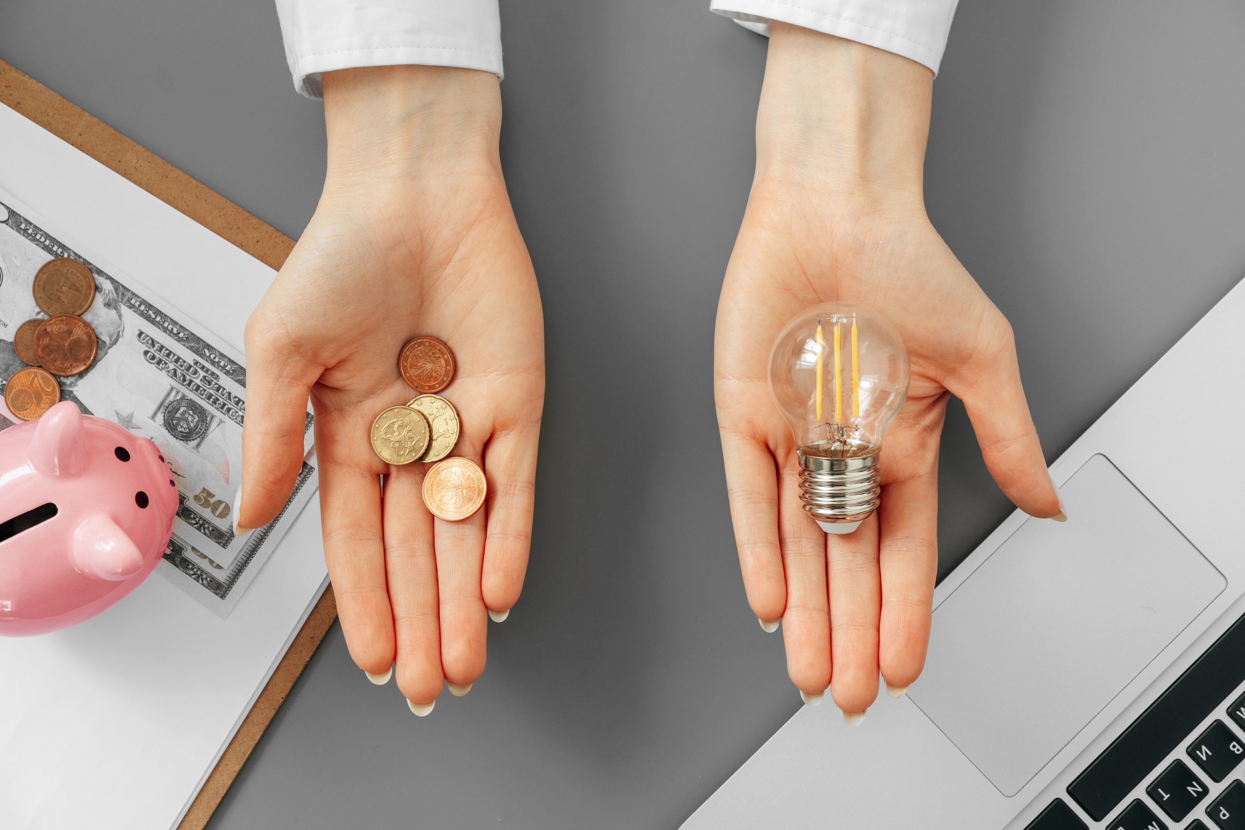 Lee más sobre el artículo Con el precio desorbitado de la luz, ¿cuánto ahorrarías hoy en tu Casa Geosolar®?