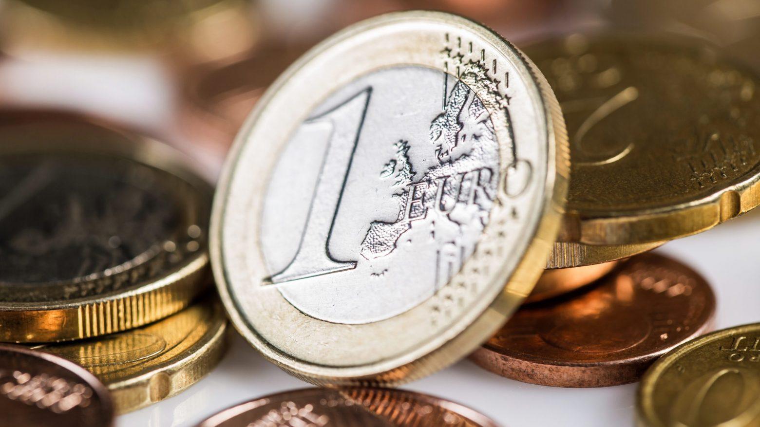 Lee más sobre el artículo Sube el empleo y crece la economía española, ¿tendencia o estacionalidad?