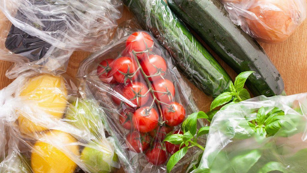 Prohibidos los envases de plástico para fruta y verdura
